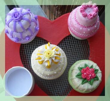 MINI WEDDING CAKE  (6/6)