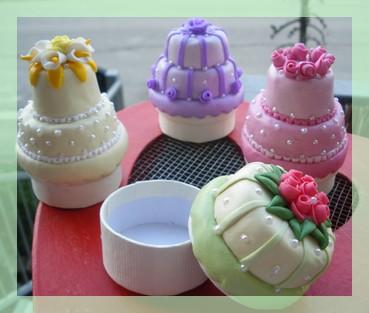 MINI WEDDING CAKE  (4/6)
